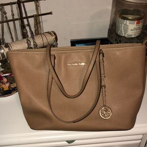 Brown leather Michael Kors tote!